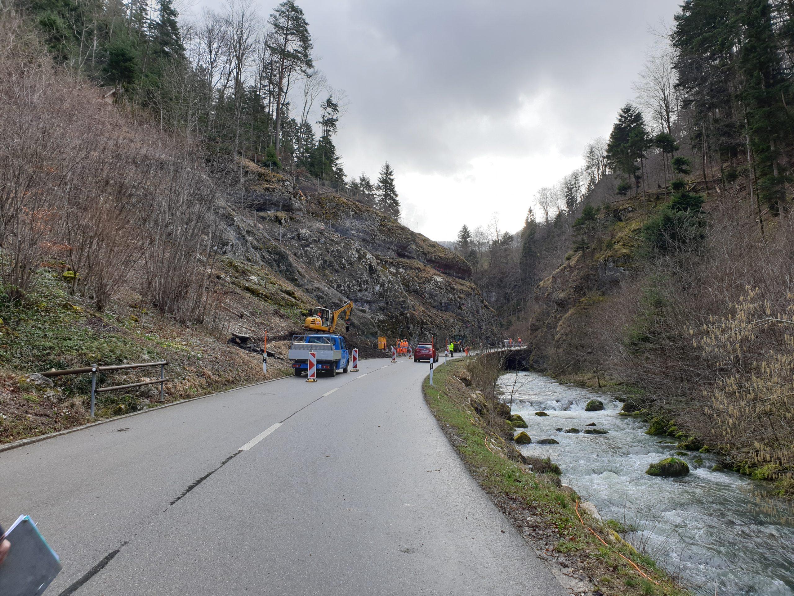 Lange Brücke Felssicherung