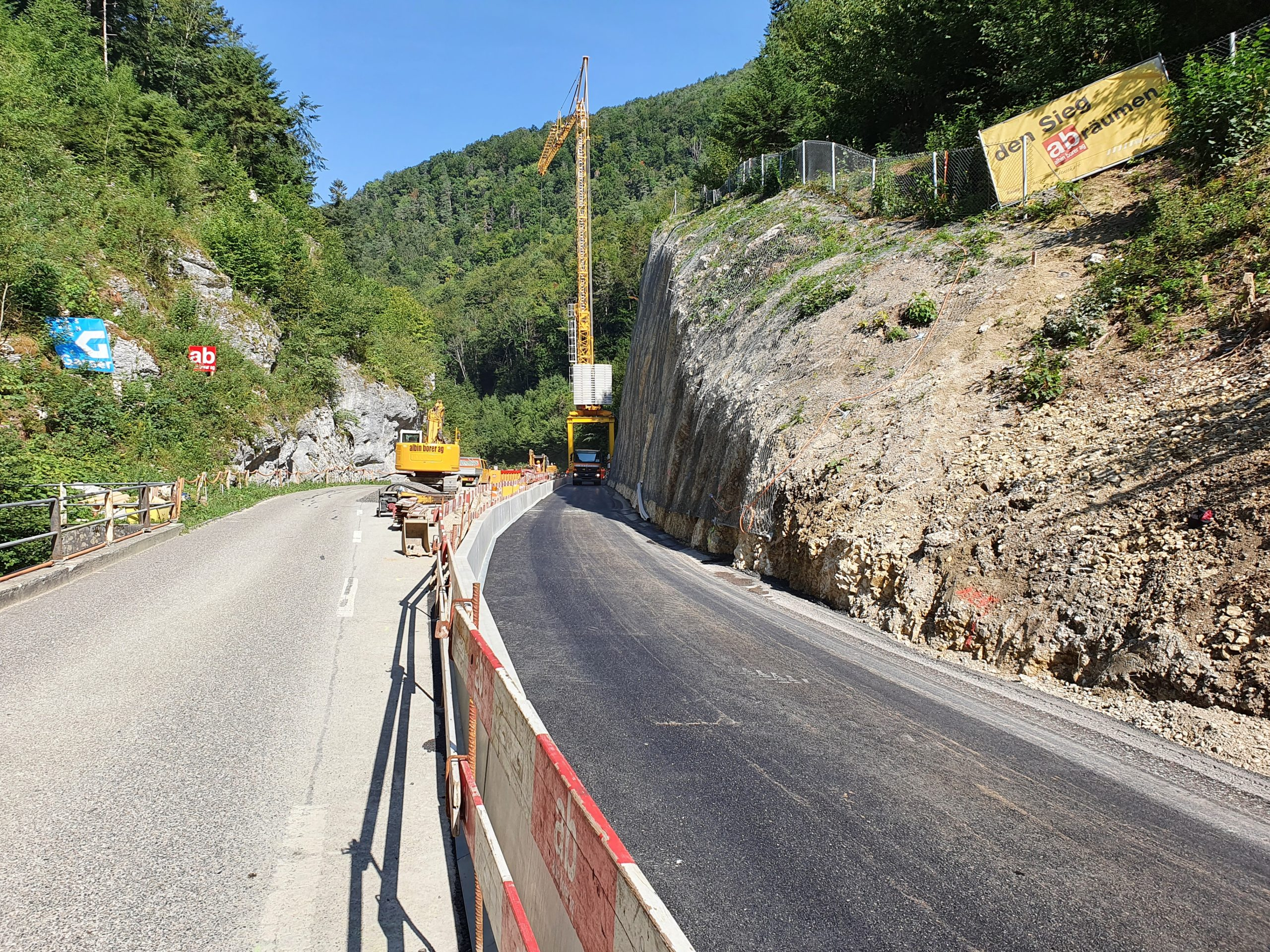 Lange Brücke alter Strassenverlauf über Lüssel